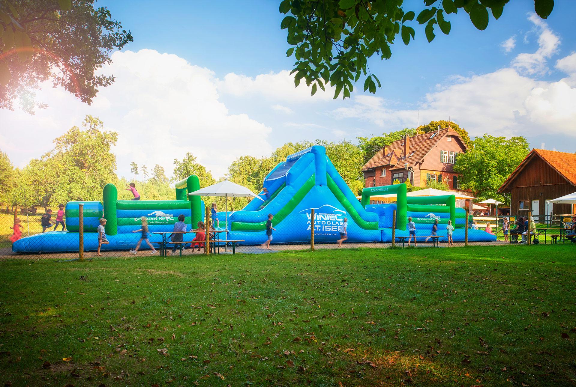 katzenbacher-hof-biergarten-kinderspielplatz